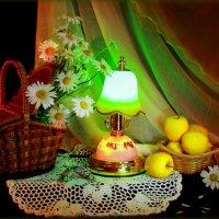 С зелёной лампой... :: Нэля Лысенко
