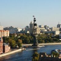 Красный Октябрь, памятник Петру I и ЦДХ... :: Наташа *****
