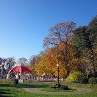 Детский уголок  в парке Кадриорга :: veera (veerra)
