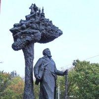 Памятник  Язепу Дроздовичу,г. Минск Беларусь :: Tamara *