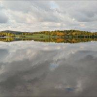 Осеннее отражение :: Leonid Rutov
