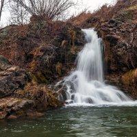 Осенний водопад :: Виктор