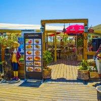 Ресторан на пляже у Мёртвого моря в Эйн Боеэк :: Игорь Герман