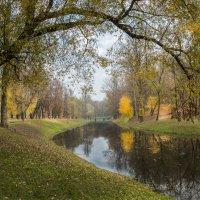 Осень в городском парке.... :: Вячеслав Побединский