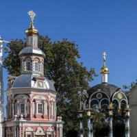 Успенская часовня над колодцем (по левой стороне фото) :: Георгий