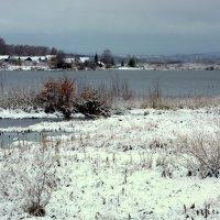 Деревня в снежной тишине... :: Нэля Лысенко