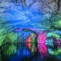 освещение бывшего пещерного карьера :: Георгий А