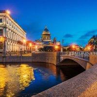 Синее утро у Исаакиевского собора :: Юлия Батурина
