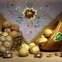 С орешками... :: Нэля Лысенко