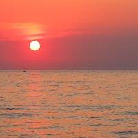 Закат на море :: Елена Верховская