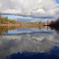 отражение на глади озера :: Владимир