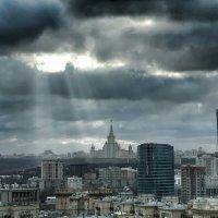 Москва, сегодня в полдень :: Сергей Беличев