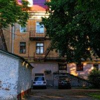 ...старый двор :: Геннадий Титоренко