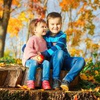 Осень - время согревать друг друга :: Tatsiana Latushko
