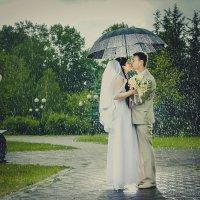 Дождь свадьбе не помеха :: Александр Хлебников
