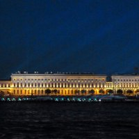 Прогулка по Неве :: Виктор Осипчук