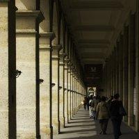 Париж. Галереи у Лувра. :: Евгений Поляков