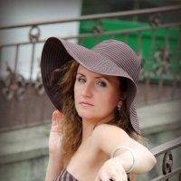 Дело в шляпе :: Элеонора Бескостая