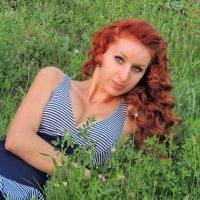 ... на траве... :: Люба Вылывана