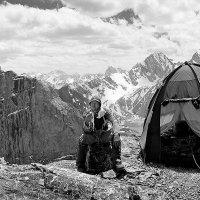 Ночёвка на маршруте. Фанские горы. :: Владимир Сковородников
