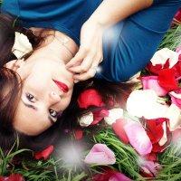 в лепестках роз :: Анастасия T