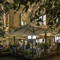 Кафе на Красной площади около ГУМа :: Виктор Тараканов
