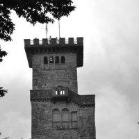 Башня на горе Ахун :: Алёна Алексаткина