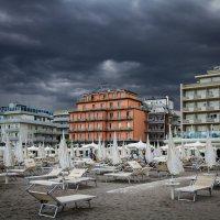 Пляж перед штормом в Милано-Маритима :: Вера N