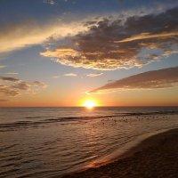 Закат над морем :: Svetlana Lyaxovich