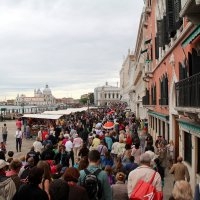 Корабельный десант в Венеции. :: tatiana