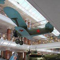 В павильоне военной техники :: Елена Викторова