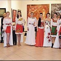 Театр моди :: Степан Карачко