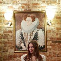 Кто знает имя королевы на портрете? :: Светлана Громова