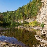 Скальные обнажения Тиманского кряжа на реке Чуть. :: Николай Зиновьев