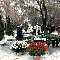 Сегодня годовщина смерти Вишневской Галины Павловны. :: Татьяна Помогалова
