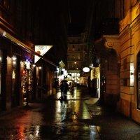 Небольшая улочка Вены вечером :: Aida10