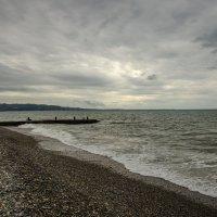 Сухумские пляжи в непогоду. :: Светлана Винокурова