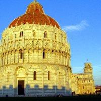 Рядом с Пизанской башней :: Лара Амелина