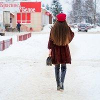 Красная шапочка. :: Анатолий Сидоренков