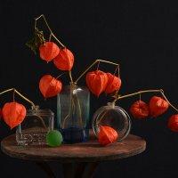 натюрморт с зелёным шариком :: Владимир Безгрешнов