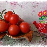 Лейка и помидоры :: Nina Yudicheva