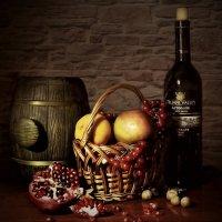 Вино и фрукты.. :: Клара