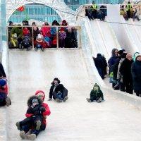 Ледяной городок. Екатеринбург. :: Владимир Гатажаков