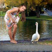 Гусик с девушкой в бельгийской деревне Моленбек :: Борис Соловьев