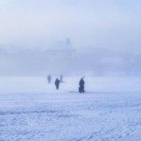 рыбаки в туманное утро :: юрий иванов