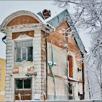Фрагмент старого здания в центре Петрозаводска :: Сергей Никитин