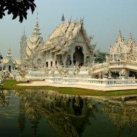 Храм современной постройки :: Любовь