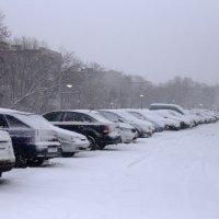 Город-гараж в зимний день . :: Andrey