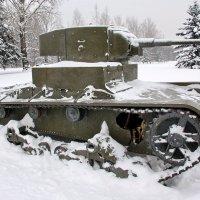 Марьино. Танк Т-26 :: Сергей Никитин