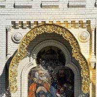 Фрагмент фасада Морского Собора в Кронштадте :: Валерий Подорожный